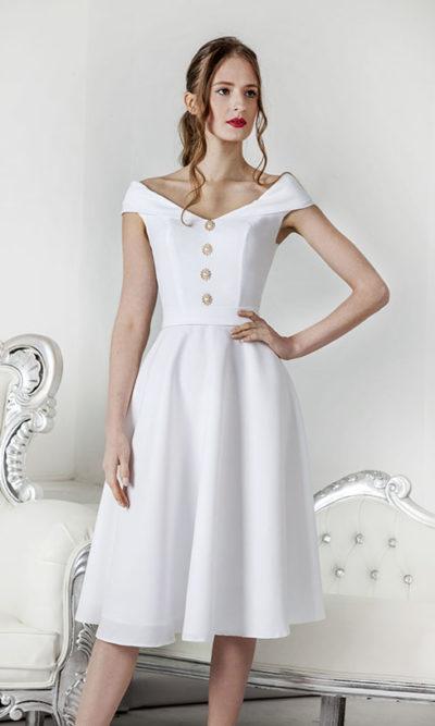 Robe de mariage courte en crêpe blanc avec boutons