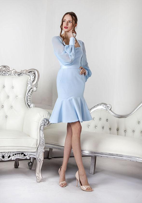 Robe de cocktail avec manches longues en mousseline