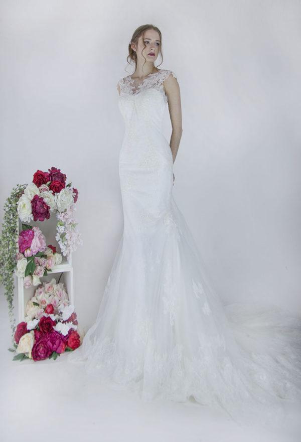 Robe de mariée avec un bustier en dentelle