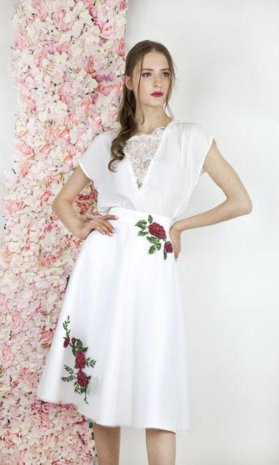 Robe pour la mairie blanche avec fleurs