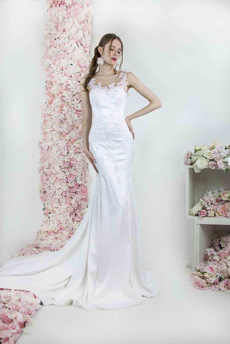 Robe de mariée en satin fluide