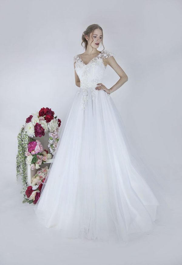 Robe de mariée avec manches courtes en dentelle