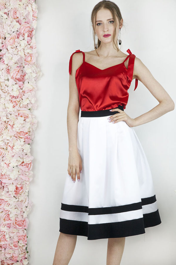 Robe de soirée avec une jupe blanc et noir