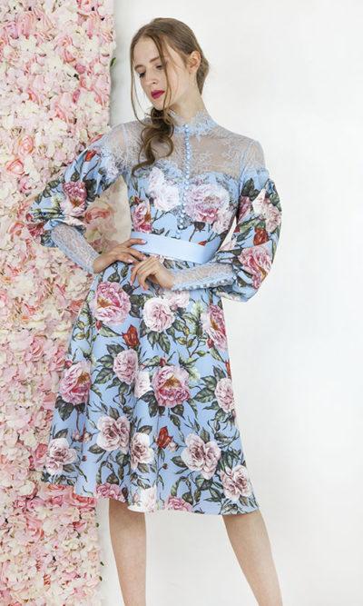 Robe de soirée avec imprimé fleuri et manches
