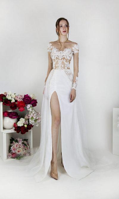 Robe de mariée avec jupe fendue et manches transparents
