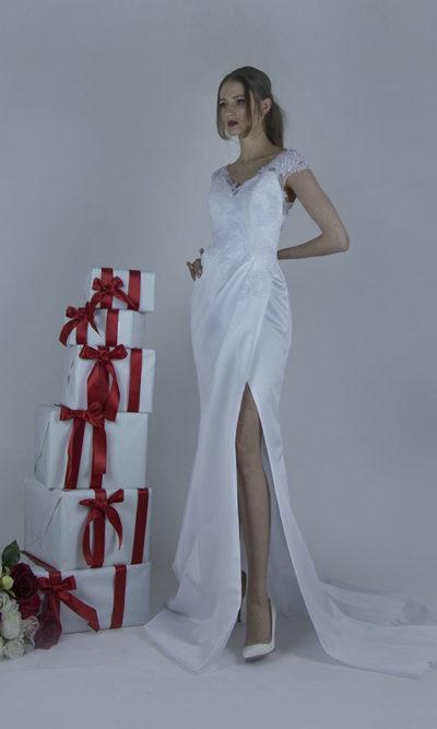 Robe de mariée moderne et tendance avec une jolie fente sexy