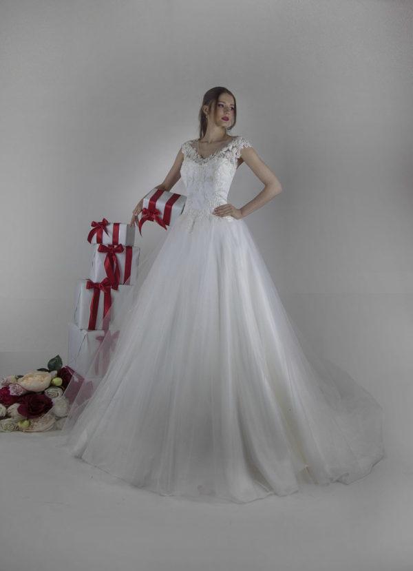 Robe de mariée à une allure chic et romantique