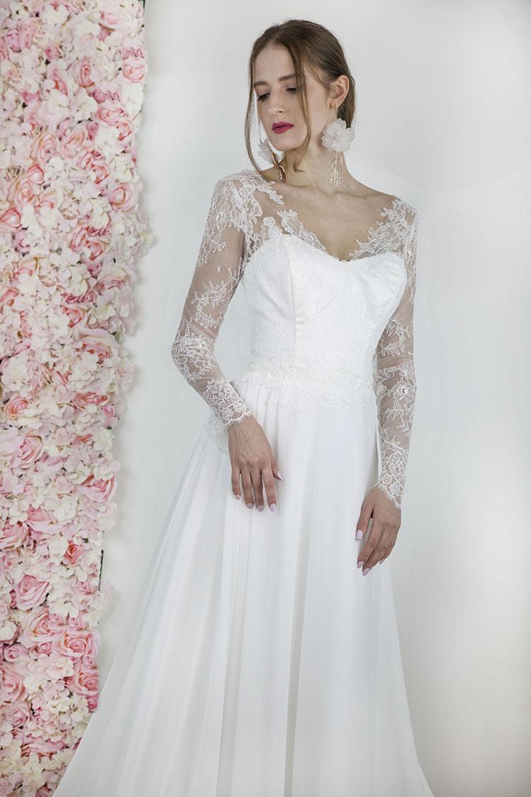 Robe de mariage avec longues manches en dentelle de Calais