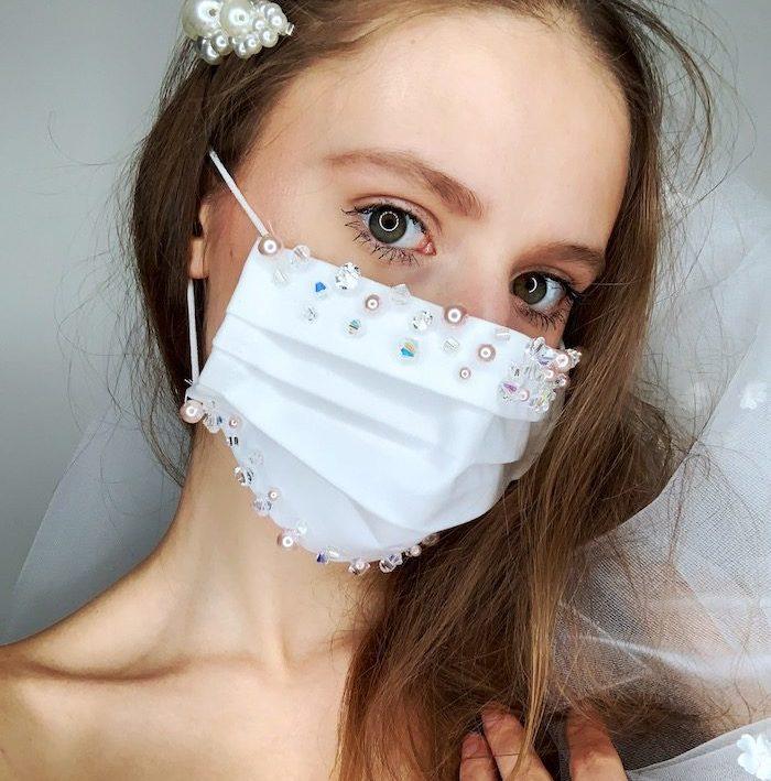 Masque brodée avec perles mariée coronavirus