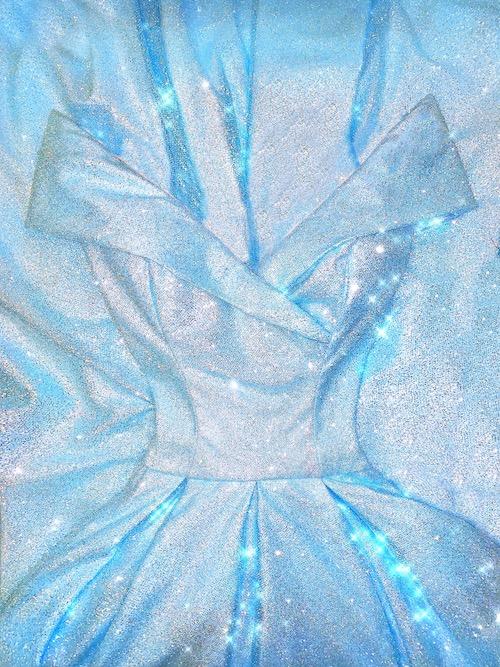 Robe de bal avec paillettes pour gala ou fiançailles