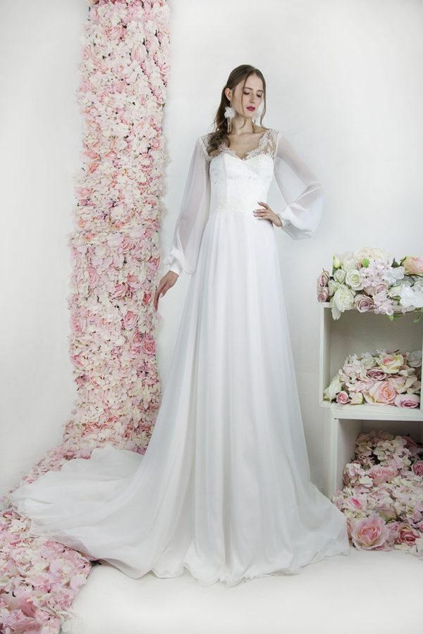Robe de mariée fluide avec manches longues