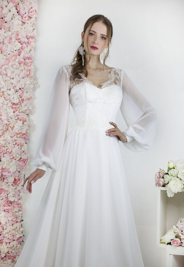 Robe de mariée à corset avec jupe fluide