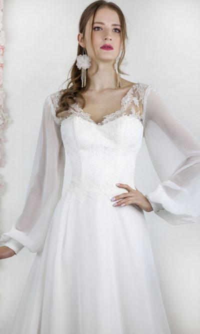 Robe de mariée avec un décolleté en coeur en dentele