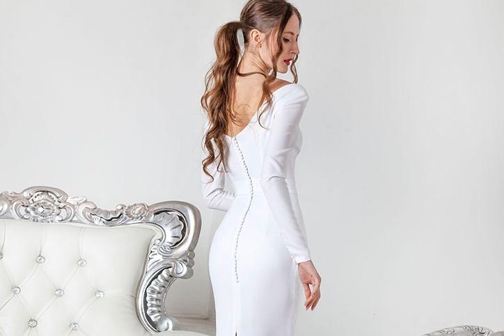 Robe de mariée simple avec manche longue