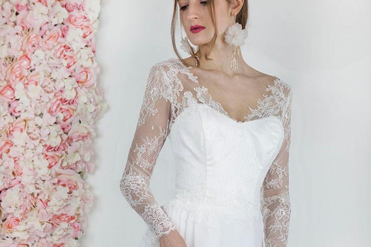 Robe de mariée fluide avec manches grande taille